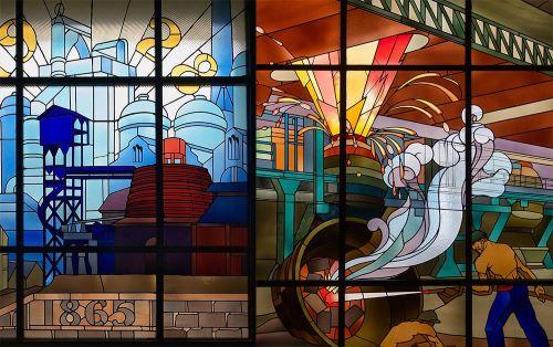 Le vitrail, entre jeux de verre et jeux de lumière